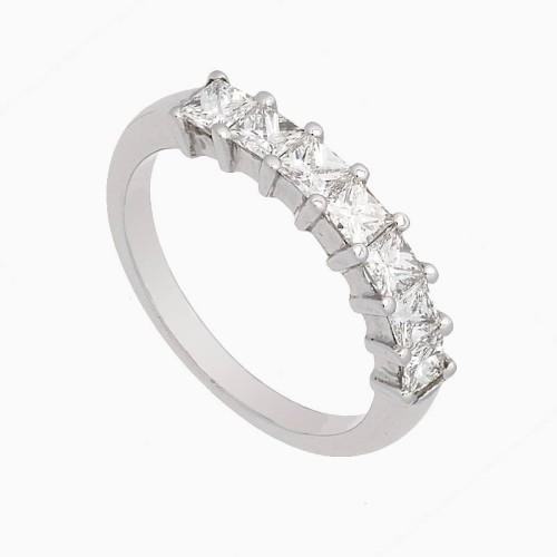 Sortija con diamantes blancos en talla princesa - 1